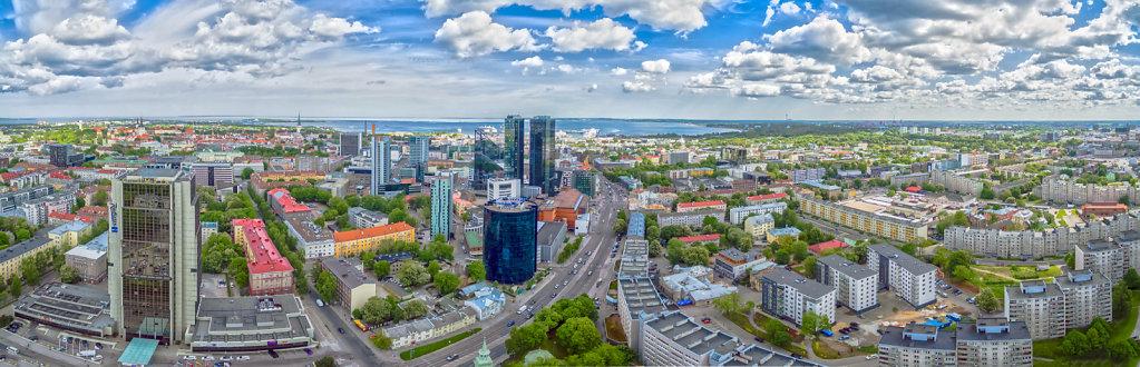 Tallinn varasuvisel keskpäeval